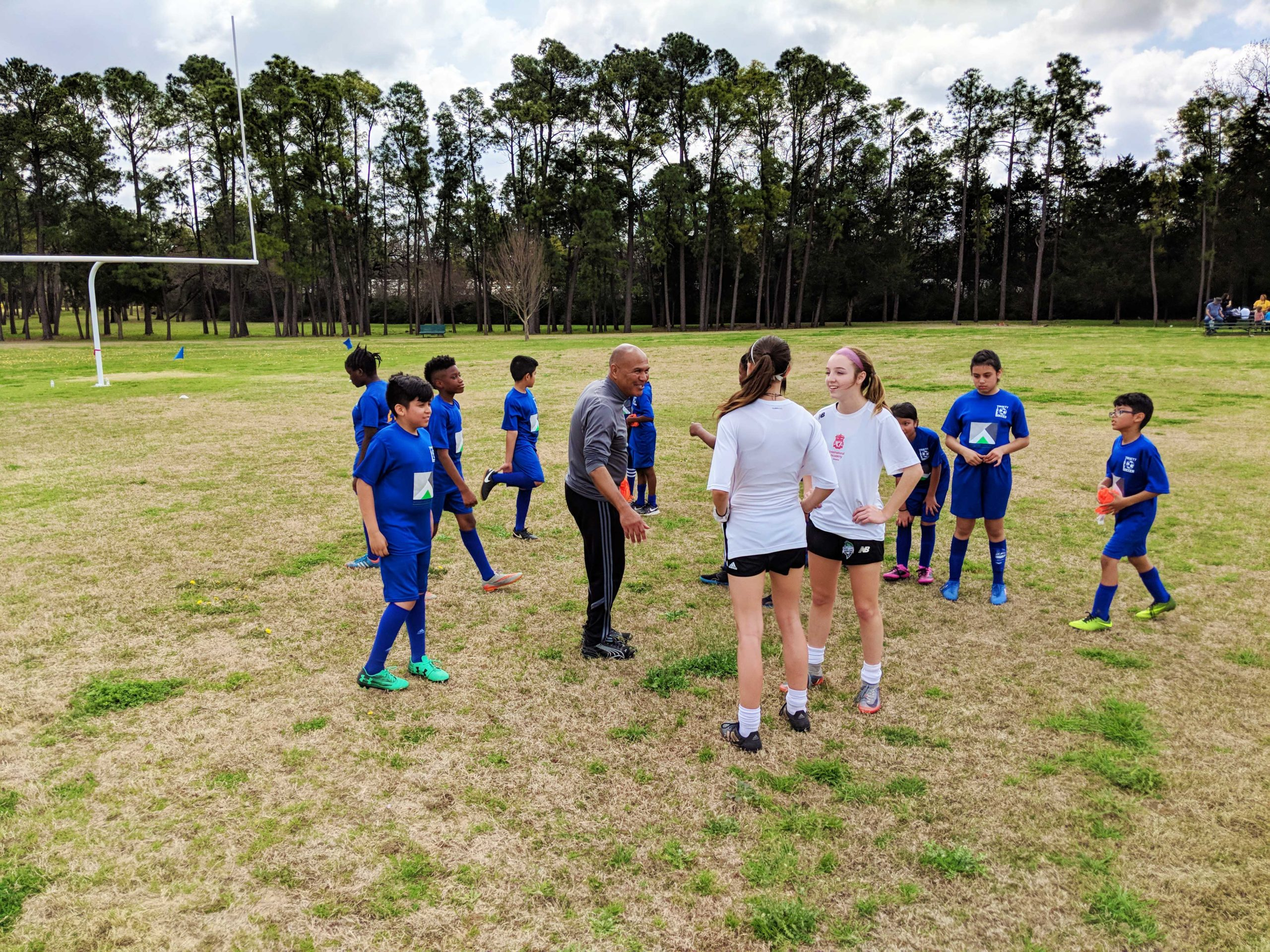 Dallas Parks Foundation Hosts Free Youth Soccer Clinic